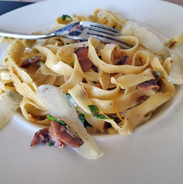 Fettuccine with Anchovy, Garlic and Lemon
