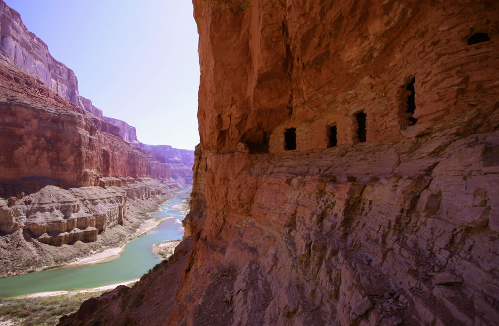 Ancestral-Puebloan-granaries-high-above-the-Colorado-River-at-Nankoweap-Creek-Grand-Canyon.jpg