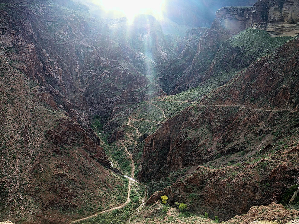 Devils-Corkscrew-Bright-Angel-Trail-Grand-Canyon.jpg