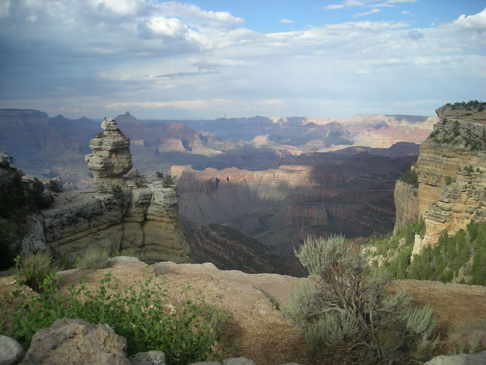 Grand-Canyon-in-Arizona-United-States.jpg
