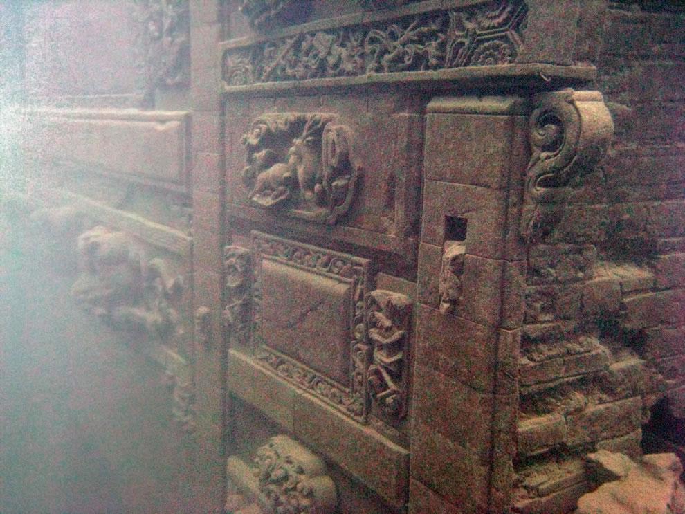 Ancient city in 2008, Shi Cheng underneath Qiandao (Thousand Island) Lake