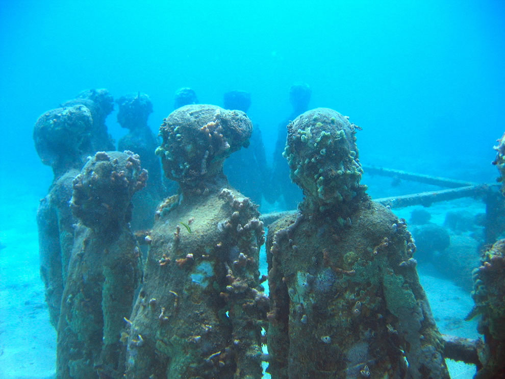 Viccistudes underwater sculpture in 2011