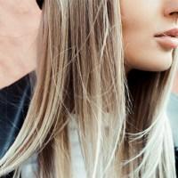 Blondierte Haare pflegen: So vermeidest du sprödes Haar