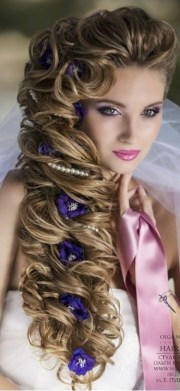long hair with large curls flowers