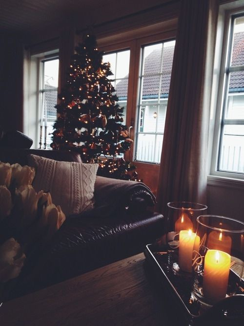 Cute Small Girl Wallpapers For Facebook Cozy Christmas Home Pictures Photos And Images For