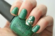 green christmas nails