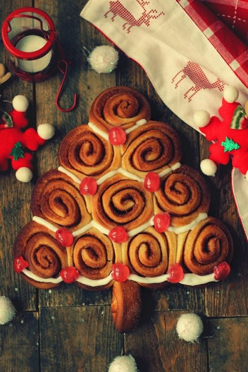 Christmas Tree Cinnamon Buns Pictures Photos And Images