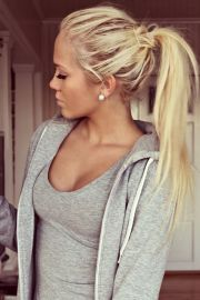 blonde ponytail long hair