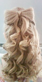 curly bow hairstyle