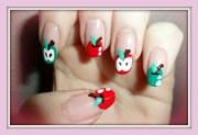 apple tip nail design