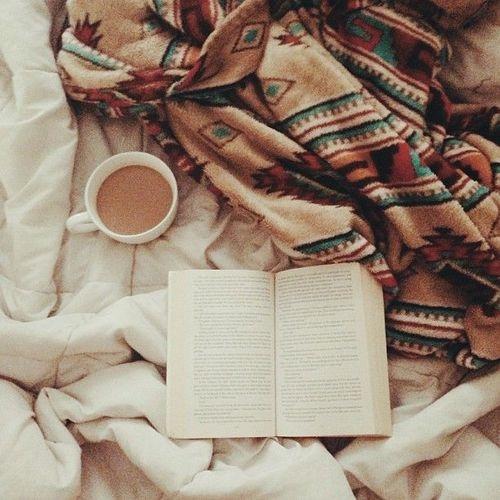 Imagini pentru books coffee tumblr