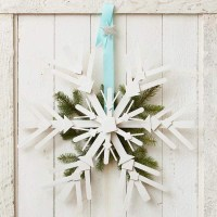 Wooden Snowflake Door Decoration Pictures, Photos, and ...
