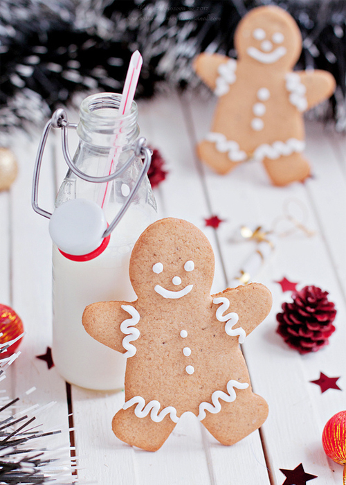 Gingerbread Men Cookies  Milk Pictures Photos and