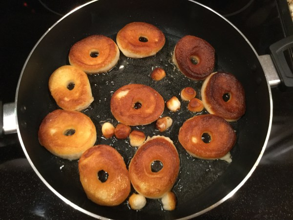 Quick and easy canned biscuit donuts