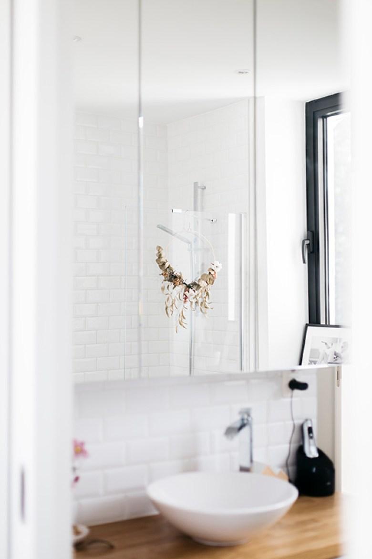 Love & Tralala_ home tour_ma salle de bains petite et fonctionnelle