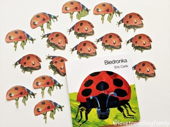 """""""Biedronka"""" Eric Carle. Najlepsze książki dla dzieci w wieku 2-4 lat. Recenzja książki."""
