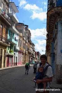 Love travelling family in Centro Habana
