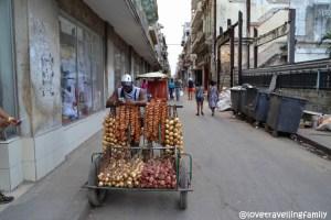 Selling onions, Havana