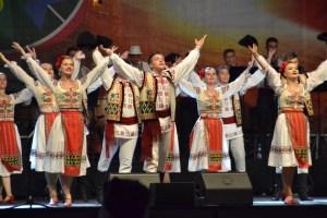 Veselia i Orkiestra Rapsozii Moldovei, Oktawa