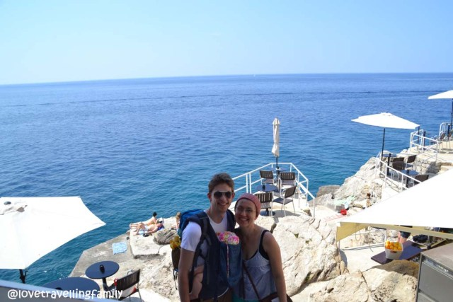 Love travelling family in Buza bar, Dubrovnik