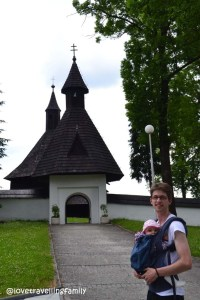 Love travelling family in Tvrdošín