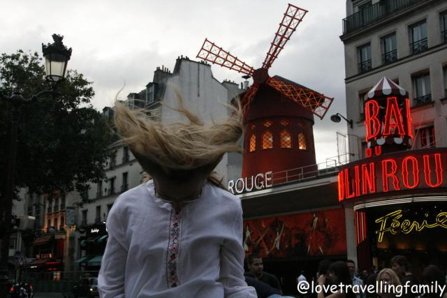 Love travelling family at Moulin Rouge