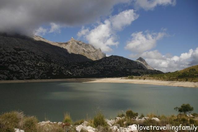 Lake Embassament de Cuber, Trekking in Mallorca, Spain