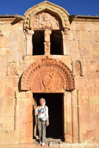 Noravank, Armenia, Love travelling family