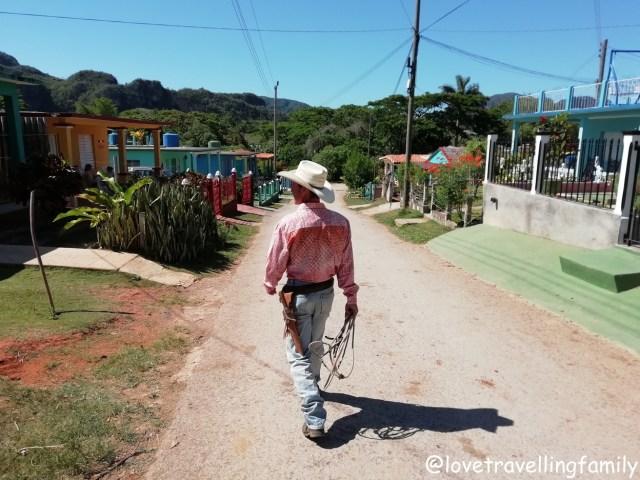 Horse riding Viñales Cuba, Love travelling family