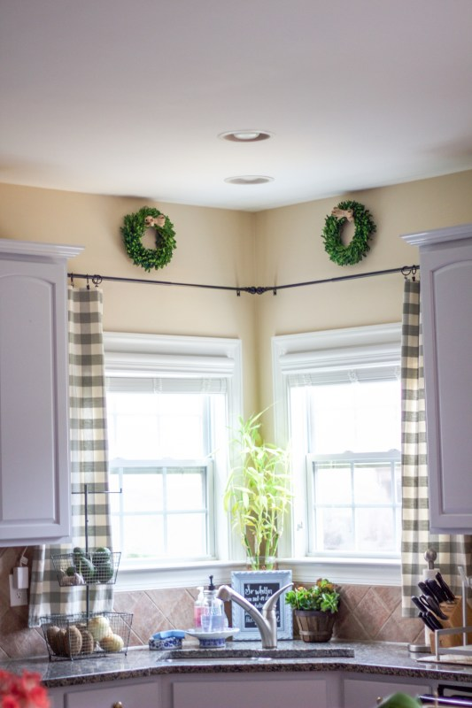 kitchen-window-treatments-7