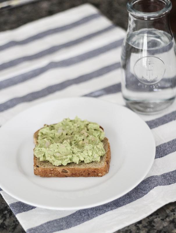 egg-avocado-toast-healthy