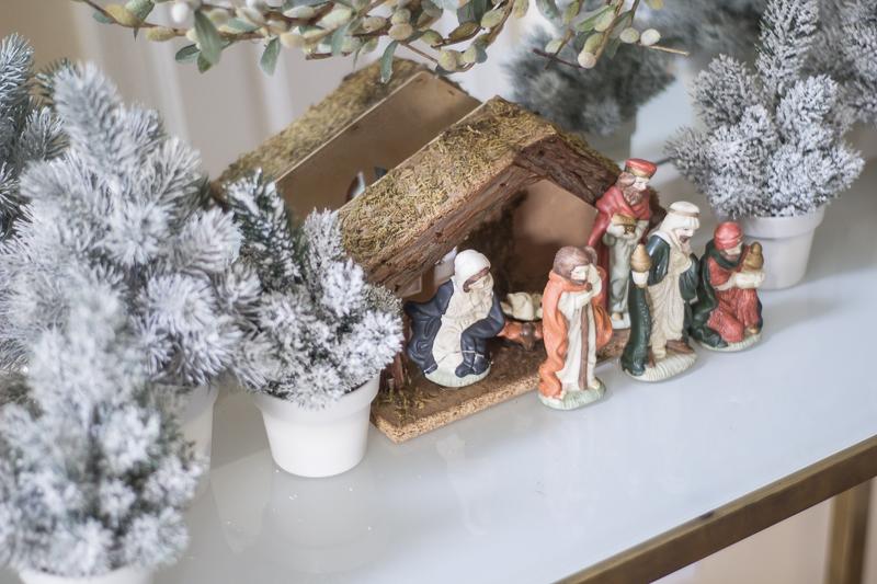 holidayhome-bloghop-christmas-hometour-loveyourabode_