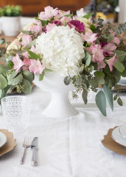 Neutral Elegant Tablescape