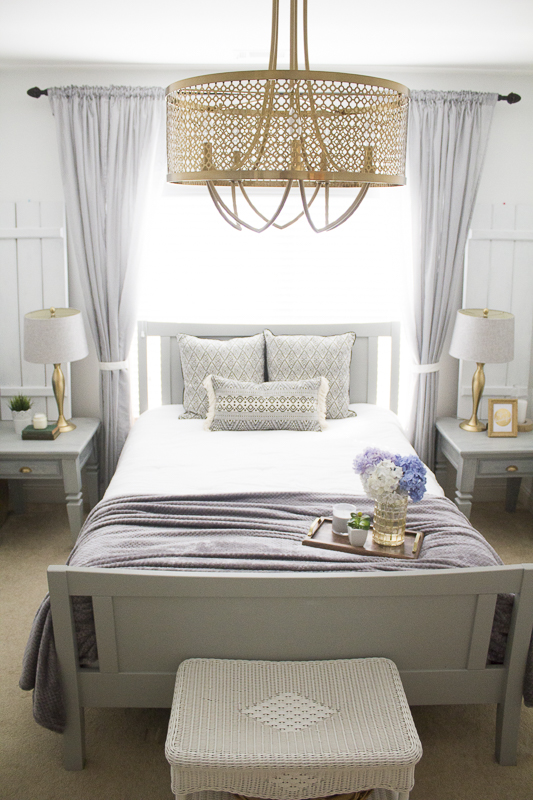 refresh-guest-room-with-pillows | loveyourabode-19