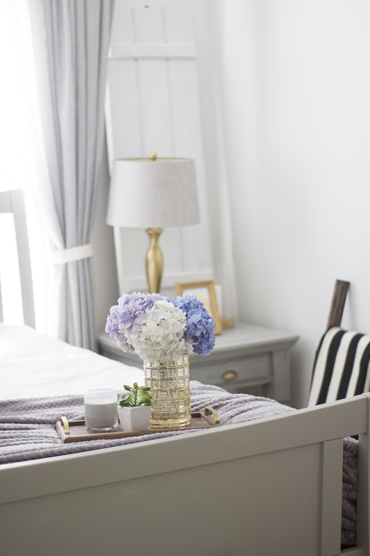 refresh-guest-room-with-pillows | loveyourabode-45