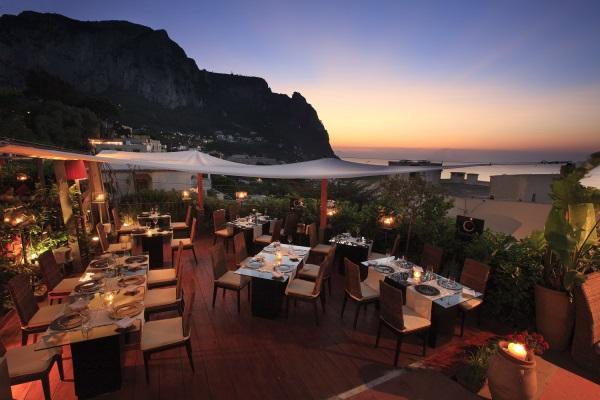 Lidi Aperitivi Ristoranti e Serate a Capri  aperitivo serate locali eleganti alla moda