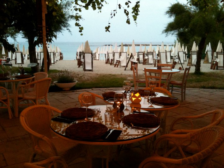 Aperitivi Locali e Serate in Salento ad Otranto  cena
