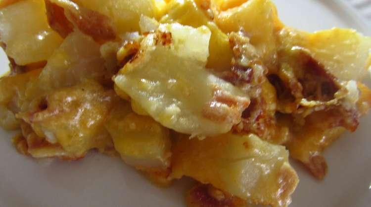 Slow Cooker Cheesy Bacon Potato Casserole