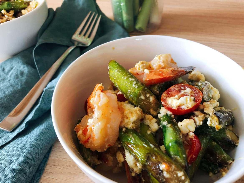 Grüner Spargel Salat mit Garnelen