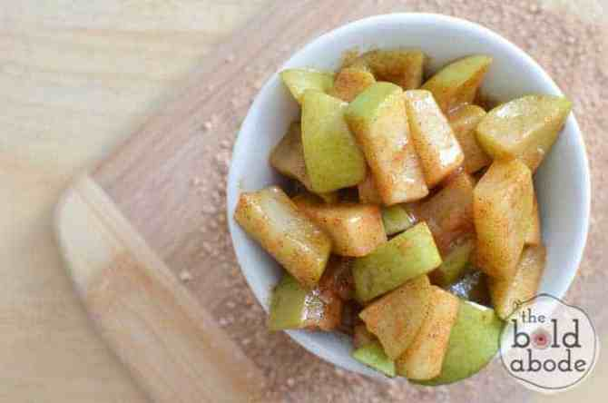 Quick and Easy Microwaved Cinnamon Apples