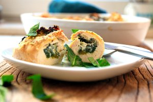 baked chicken spinach rolls