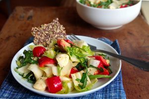 crunchy chicory salad with arugula and red pepper