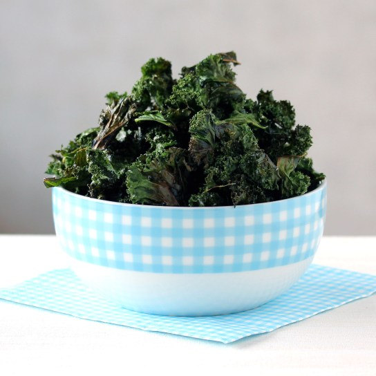 Kale Chips With Curry Powder | Low-Carb, So Simple!