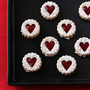Low-Carb Linzer Hearts | Low-Carb, So Simple!