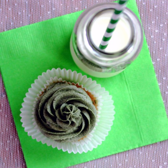 Sugar-Free Irish Coffee Frosting for St. Paddy's Day | Low-Carb, So Simple!