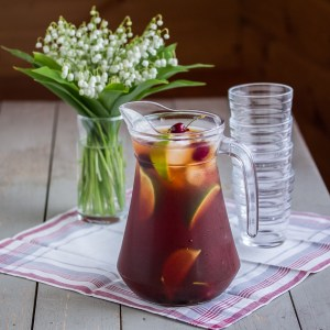 Sugar-Free Cherry Vanilla Iced Tea | Low-Carb, So Simple!