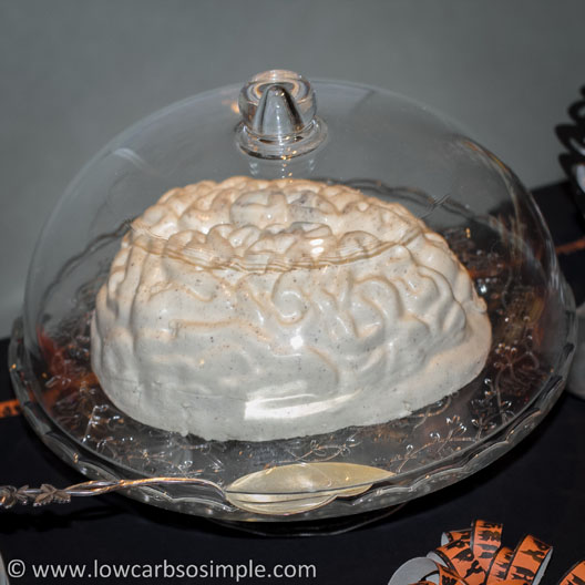 Halloween Party Food; Creamy Gelatin Dessert with Strawberry Jam Inside (Brains, Bloody Brains) | Low-Carb, So Simple!