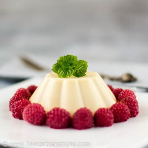 Peach Panna Cotta with Raspberries | Low-Carb, So Simple!