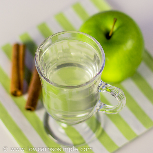 Simple Hot Drink with Apple, Cinnamon and Hot Water | Low-Carb, So Simple!