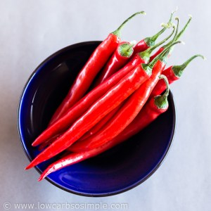 Sugar-Free Sweet Chili Sauce; Beautiful Chili Peppers | Low-Carb, So Simple